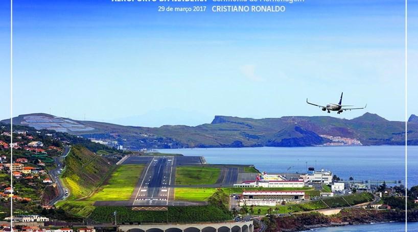 Aeroporto Cristiano Ronaldo : Aeroporto cristiano ronaldo assinalado com postais dos ctt