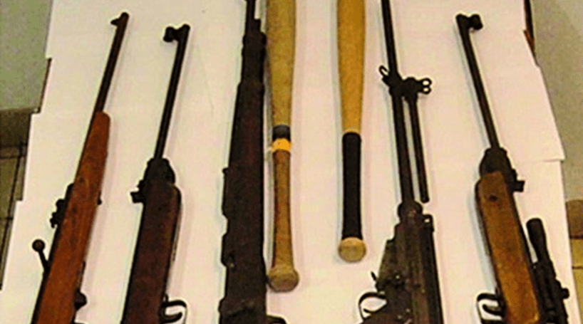 Cerca de 400 armas roubadas de um tribunal perto de São Paulo