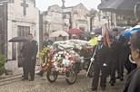 Exumação de vítima encerra cemitério