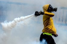 Opositores a Maduro protestam em Caracas