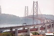 Acidentes na Ponte 25 de Abril condicionam circulação nos dois sentidos