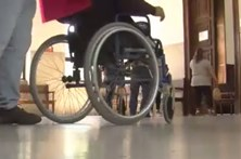 Abusa de homem sem pernas