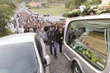 Famílias enterram entes queridos mortos na tragédia de Lamego