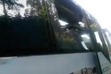 Autocarro de equipa de futebol de Gaia atacado com pedras e tocha