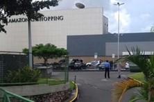 Bomba-relógio é encontrada em centro comercial