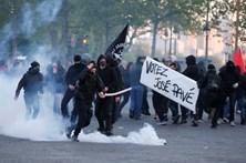 Seis feridos e 29 detidos em protestos em Paris