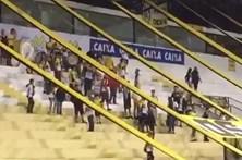 """Claque do Criciúma provoca Chapecoense: """"ão, ão, ão, abastece o avião"""""""