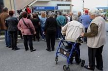 População protesta contra fecho da CGD em Silvares