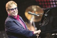 Elton John luta contra infeção