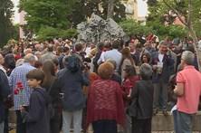 Centenas nos jardins abertos em São Bento