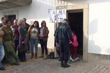 Autarcas barricados em agência da CGD na Guarda