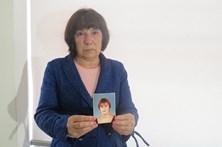 Mãe de professora morta espera justiça