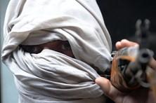 """Talibãs anunciam """"ofensiva da primavera"""" contra forças estrangeiras no Afeganistão"""