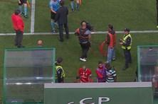 Sporting avança com queixa contra Vieira e Rui Costa