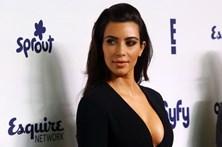 Cirurgião plástico explica o que mudou no rabo de Kim Kardashian
