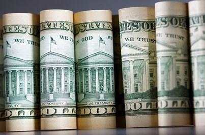 Pai devolve 13 mil euros que encontrou durante viagem