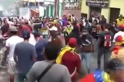 Três mortos nos confrontos de quarta-feira na Venezuela