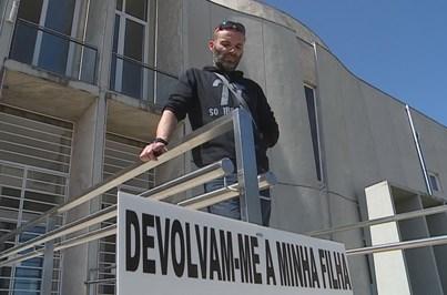 Homem em greve de fome teve de ser internado