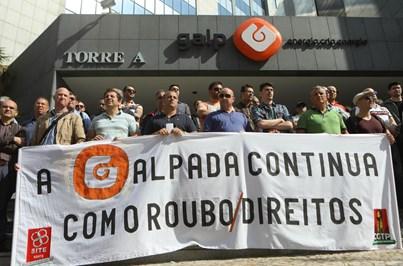 Trabalhadores da Petrogal protestam em defesa dos seus direitos