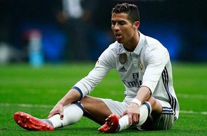 Ronaldo acusado de desviar 15 milhões do fisco espanhol