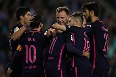 Barcelona vence e não descola do Real Madrid