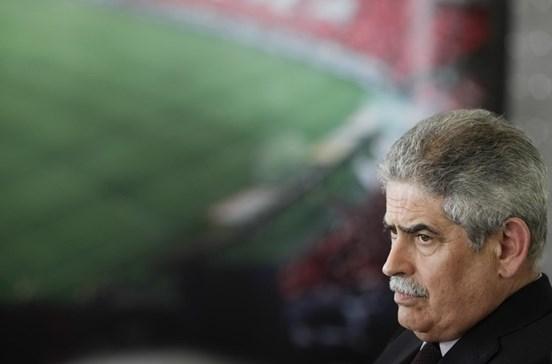 Benfica chama peritos para travar ataques