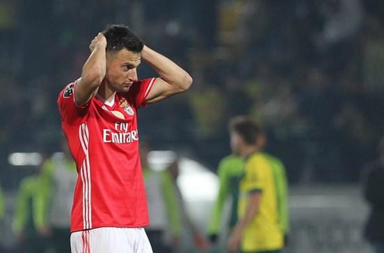 Samaris suspenso por quatro jogos