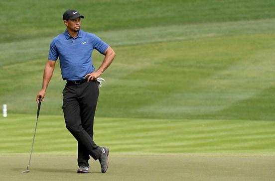 Tiger Woods é operado às costas e falha o resto da época