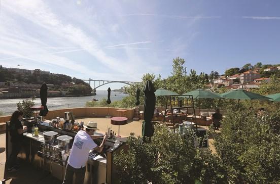 Antiga lota do peixe é agora Hotel Vincci Porto