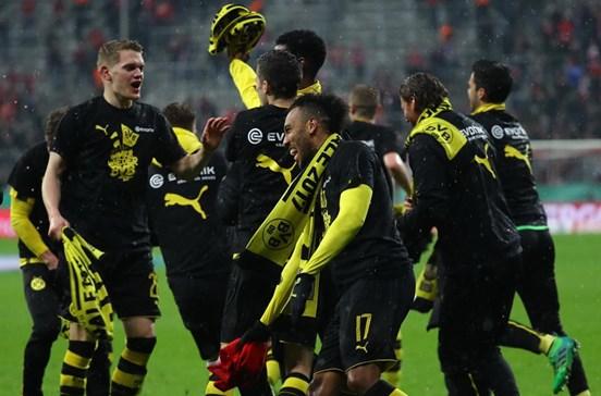 Dortmund derrota Bayern e está na final da Taça