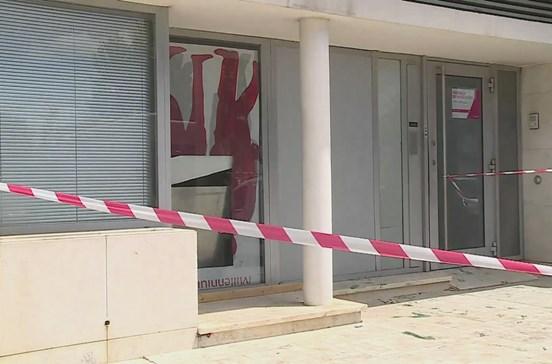 Grupo de assaltantes rebenta caixa de multibanco em Sintra