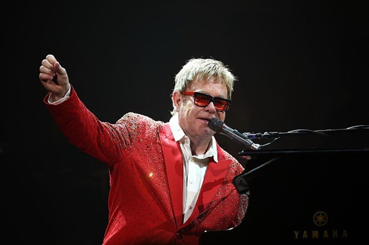 Sheila, mãe do cantor, morre aos 92 anos — Elton John