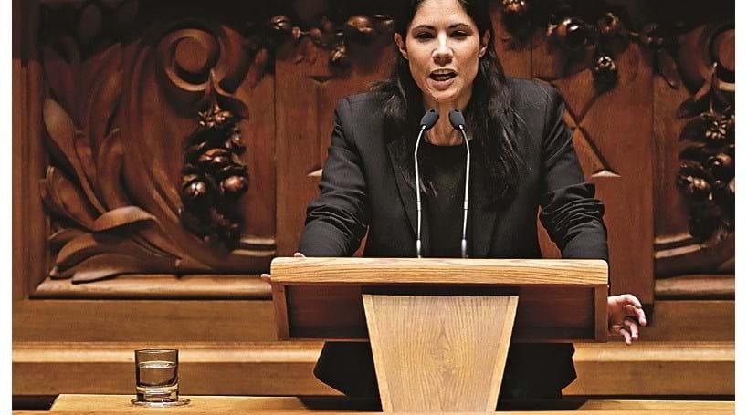 Parlamento chumba projetos de nacionalização do Novo Banco