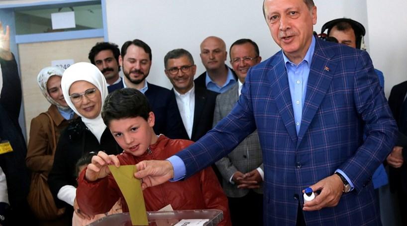 Estado de emergência na Turquia foi prolongado por mais três meses