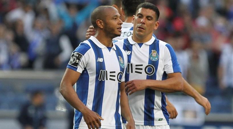 Brahimi e Maxi sem queixa do Benfica