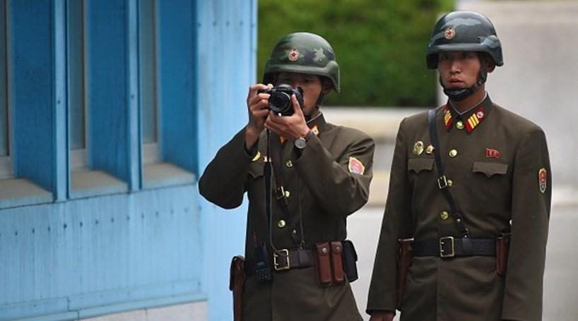 Coreia do Norte acusa EUA de aumentar a tensão com visita de Mike Pence