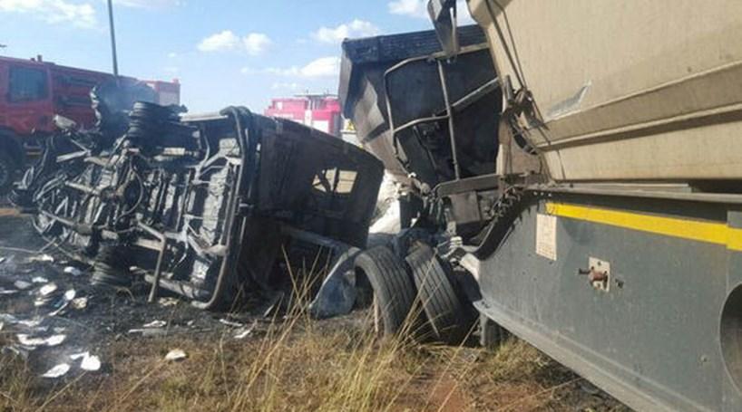 20 crianças morrem em acidente de autocarro na África do Sul