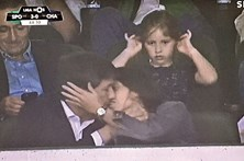 Beijo de Bruno divide Sportinguistas