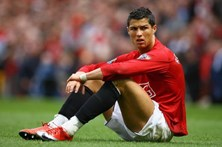 Cristiano Ronaldo faz homenagem a Manchester