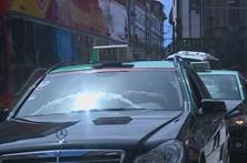 Taxista ameaçado com faca e assaltado