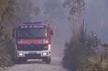 80 bombeiros combateram chamas perto de Aveiro