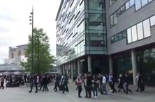 Rádio da BBC em Manchester evacuada durante emissão