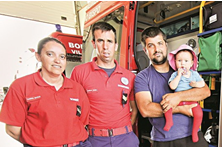 Bombeiros salvam bebé de morrer três vezes