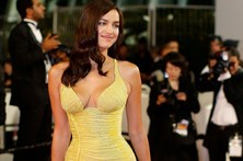 Irina brilha em Cannes dois meses após ser mãe