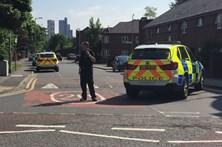 Polícia e exército fazem operação numa escola de Manchester