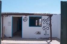Demolidas mais cinco casas na praia de Faro