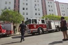 Três feridos em incêndio num apartamento em Almada