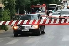 Ataque a carro deixa ferido ex-primeiro-ministro grego em Atenas