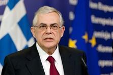 Antigo PM grego ferido em atentado