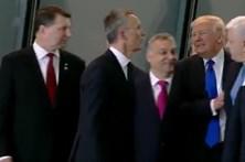 Trump empurra líder do Montenegro para ficar melhor na fotografia